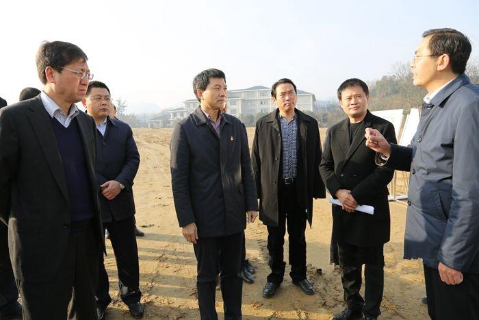 安康市市长徐启方调研西坝棚改和宝业物流园项目建设